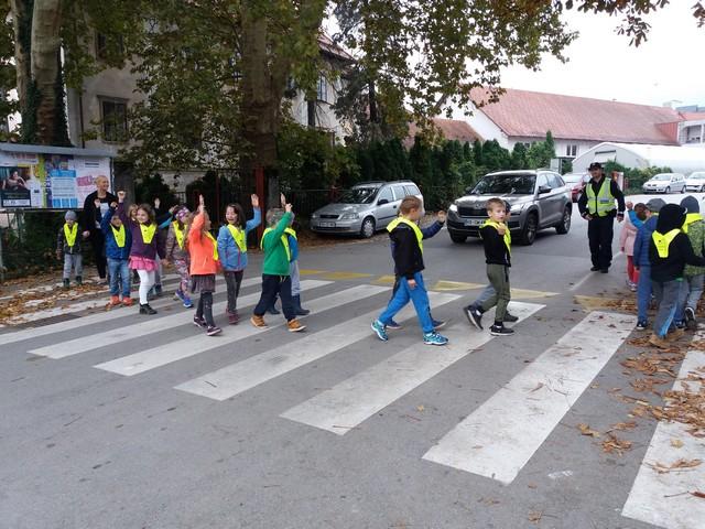 Policist pri prvošolcih